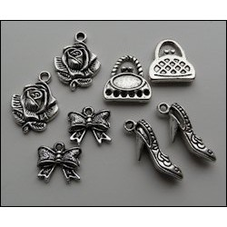 (JU0892)Marianne Design Charms vintage lady