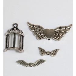 (12248-4802)Bedeltjes - (4) Wings + heart
