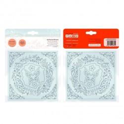(2362E)Tonic Studios • Essentials die & embossing enchant wreath