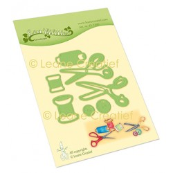(45.7200)Lea'bilitie Scissors cut and embossing die